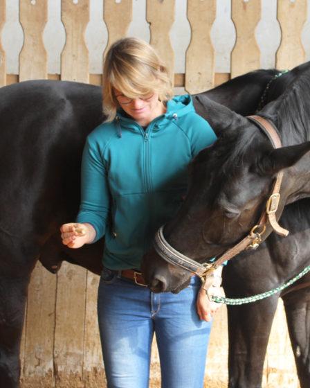 Physiotherapeut für's Pferde - Interview mit Alena Kraft